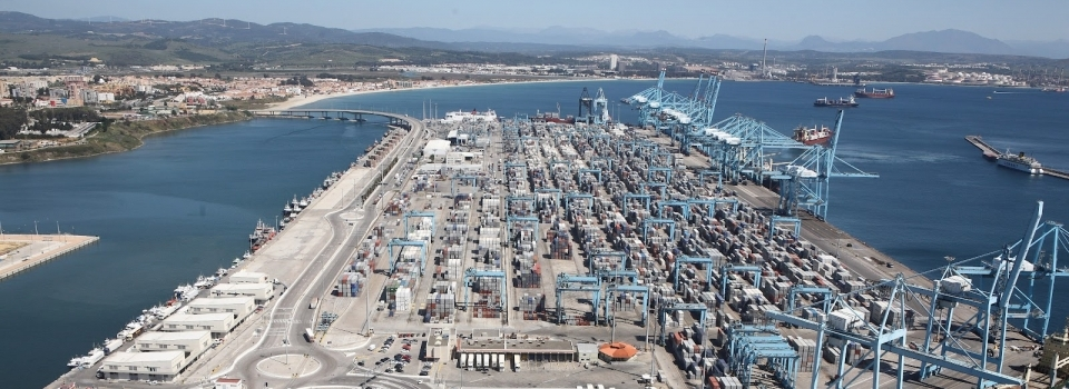 Puerto-de-Algeciras.-Abril-2012.-APM-y-PIF-e1377560899264